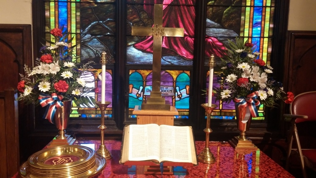 Altar & Altar Flowers   Grove Memorial United Methodist Church