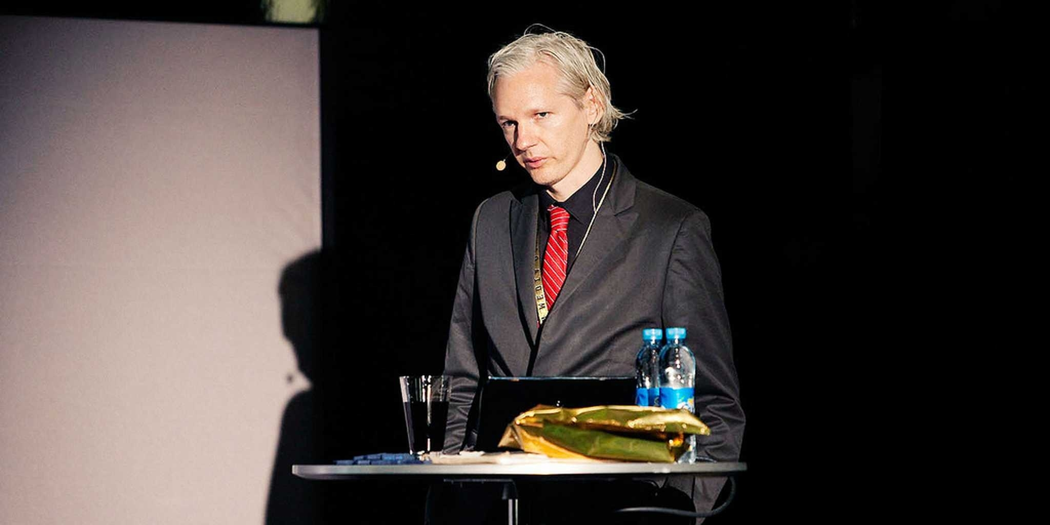 Watch Julian Assange Open For M.i.a. | The Daily Dot