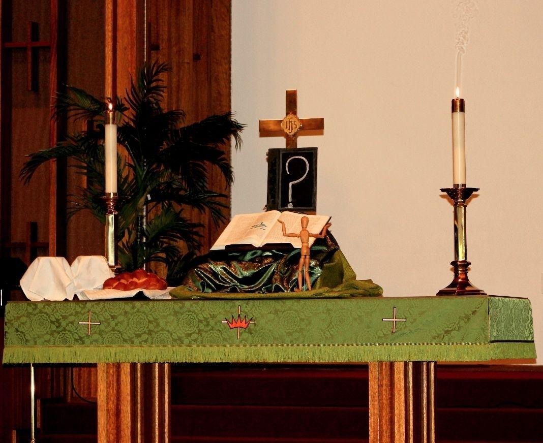 Pin On Creative Christian Altars
